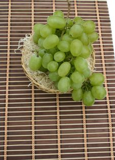 Free Grapes In A Basket On A Napkin Royalty Free Stock Photography - 6249557