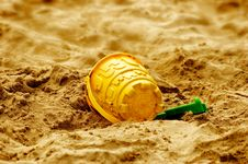 Free Bucket And Spade Royalty Free Stock Image - 6252336