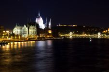 Free Parliament In Budapest Royalty Free Stock Photo - 6255305