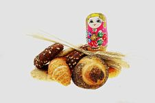 Free Nested Doll And Bread Royalty Free Stock Photo - 6261465