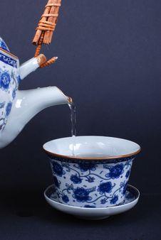 Free Pour Tea Royalty Free Stock Photo - 6265355