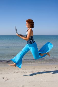 Free Woman Running With Laptop Computer Royalty Free Stock Image - 6265776