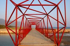 Free Red Truss Bridge Royalty Free Stock Photography - 6268347
