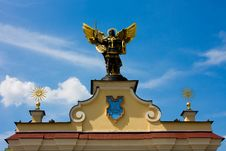 Free Archangel Statue Royalty Free Stock Photo - 6272985
