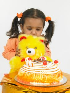 Free Asian Girl Celebrating Birthday Royalty Free Stock Images - 6277939