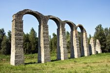 Free Roman Aqueduct Royalty Free Stock Photo - 6280085
