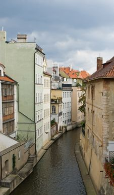 Free Wltava Canal In Prague Royalty Free Stock Image - 6282236