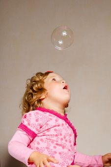 Free Small Girl With Bubble Royalty Free Stock Photo - 6282345