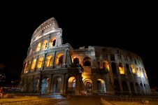 Free The Colosseum At Night Stock Photography - 6282832