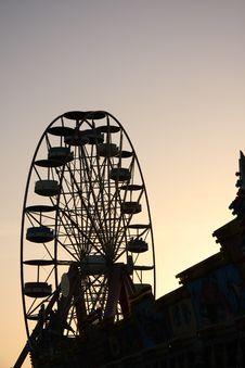 Free Ferris Wheel At The Dusk Royalty Free Stock Photo - 6289475