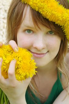 Free Beautiful Girl  And Yellow Dandelions Royalty Free Stock Photography - 6290057