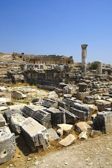 Free Ruins Of Ancient City Hierapolis. Pamukkale. Royalty Free Stock Image - 6290516