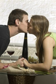 Free Couple Kissing Stock Photos - 6295523