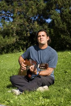 Free Musician In Park Royalty Free Stock Photos - 6295958
