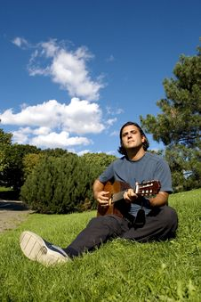 Free Musician In Park Royalty Free Stock Photography - 6295987