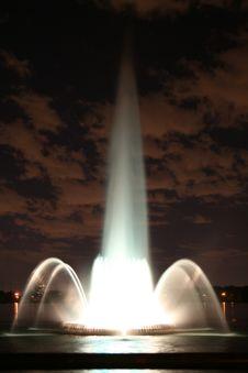 Free Beautiful Illuminated Fountain Stock Photos - 6297063
