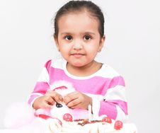 Free Girl With Cake Stock Photography - 6297292