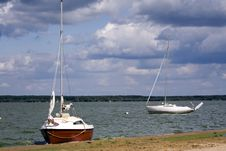 Free Yachts At The Lakeside Royalty Free Stock Photography - 6299697