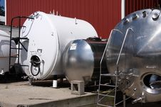 Free Tanks And Vessels Royalty Free Stock Image - 6299736