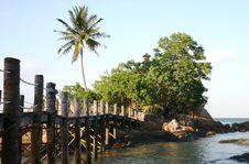 Free Bridge To Paradise Royalty Free Stock Photo - 630455