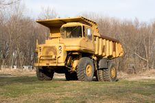 Free Dump Truck Royalty Free Stock Photos - 630808