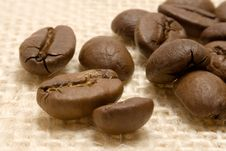 Free Coffee Beans On Linen Stock Images - 631634