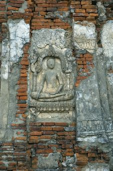 Free Buddha Carving On Wall Royalty Free Stock Image - 631806