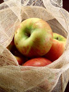 Free Basket Of Apples. Stock Photos - 632313