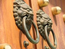 Free Door Handle At Jing An Temple Royalty Free Stock Photo - 635815
