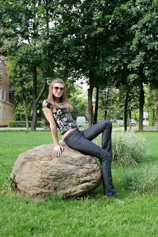 Free Fashionable Girl Royalty Free Stock Image - 6300326