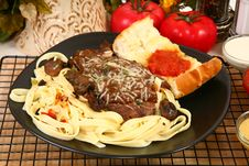 Free Sirloin Fettuccine Stock Images - 6301084