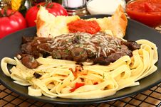 Free Sirloin Fettuccine Royalty Free Stock Photos - 6301368