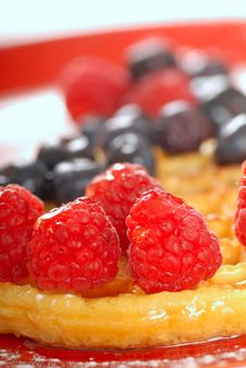 Free Waffle With Fresh Fruit Royalty Free Stock Images - 6304209