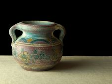 Free Solo Clay Pot Stock Image - 6305921