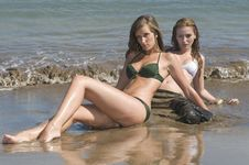 Free Two Young Friends In The Seaside Royalty Free Stock Image - 6309456