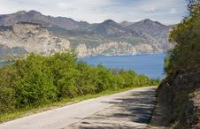 Free Road To The Lake Stock Photos - 6310793