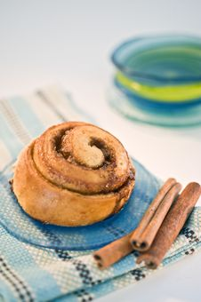 Free Cinnamon Buns Royalty Free Stock Image - 6311426