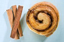 Free Cinnamon Bun Stock Photo - 6311540
