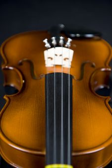 Free Violin Descending Royalty Free Stock Image - 6312476