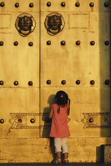 Free The Child In Front Of The Door Stock Photo - 6312530