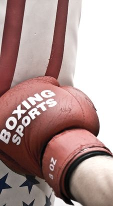 Free Boxing To The Sacks 03 Royalty Free Stock Photography - 6313217