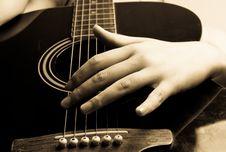 Free Playing Guitar Royalty Free Stock Photos - 6322088