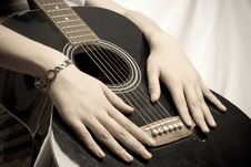 Free Playing Guitar Royalty Free Stock Photo - 6322095