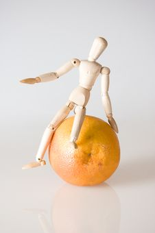 Free Dummy And Grapefruit Royalty Free Stock Photography - 6324817