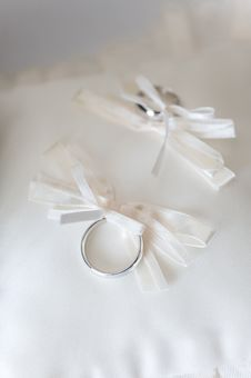 Free Wedding Rings Royalty Free Stock Photo - 6325135