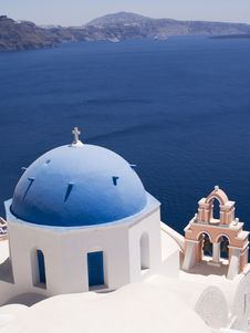 Free Classic Greek View - Blue And White Church Royalty Free Stock Images - 6326659