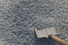 Free Shovel And Gravel Royalty Free Stock Photos - 6330408