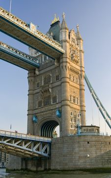 Free Tower Bridge Architecture Royalty Free Stock Photos - 6336578