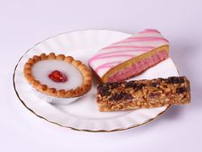 Free Gilded Plate Of Cakes Stock Photography - 6338022