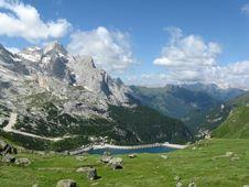 Free Dolomite Panorama Royalty Free Stock Photos - 6339438